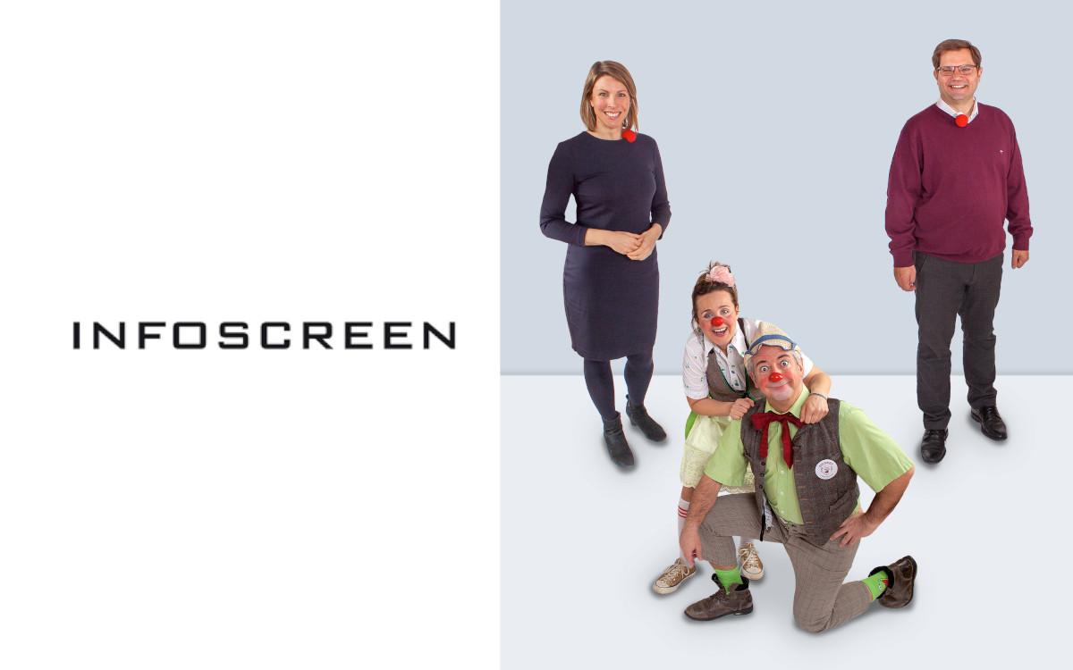 Mit Humor durch die Krise: (v.l.) Ivana Bacanovic (Geschäftsführerin ROTE NASEN Clowndoctors), Rudi & Dagmar (ROTE NASEN Clowndoctors), Sascha Berndl (Geschäftsführer Infoscreen) (Foto: Infoscreen)