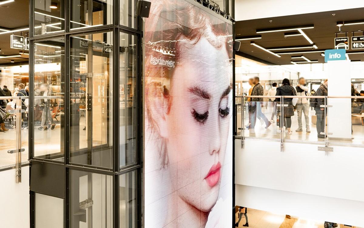 Die 21qm große LED-Wall von screenFOODnet im Lago Shopping-Center in Konstanz (Foto: screenFOODnet)