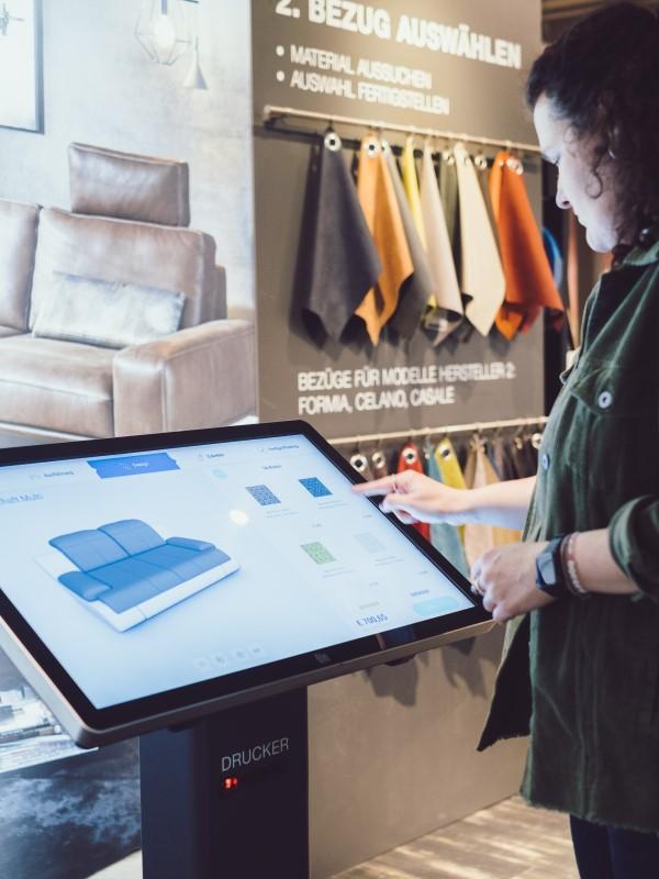 Interaktive Kundenkommunikation bei XXXLutz mit kompas von Dimedis (Foto: Dimedis)