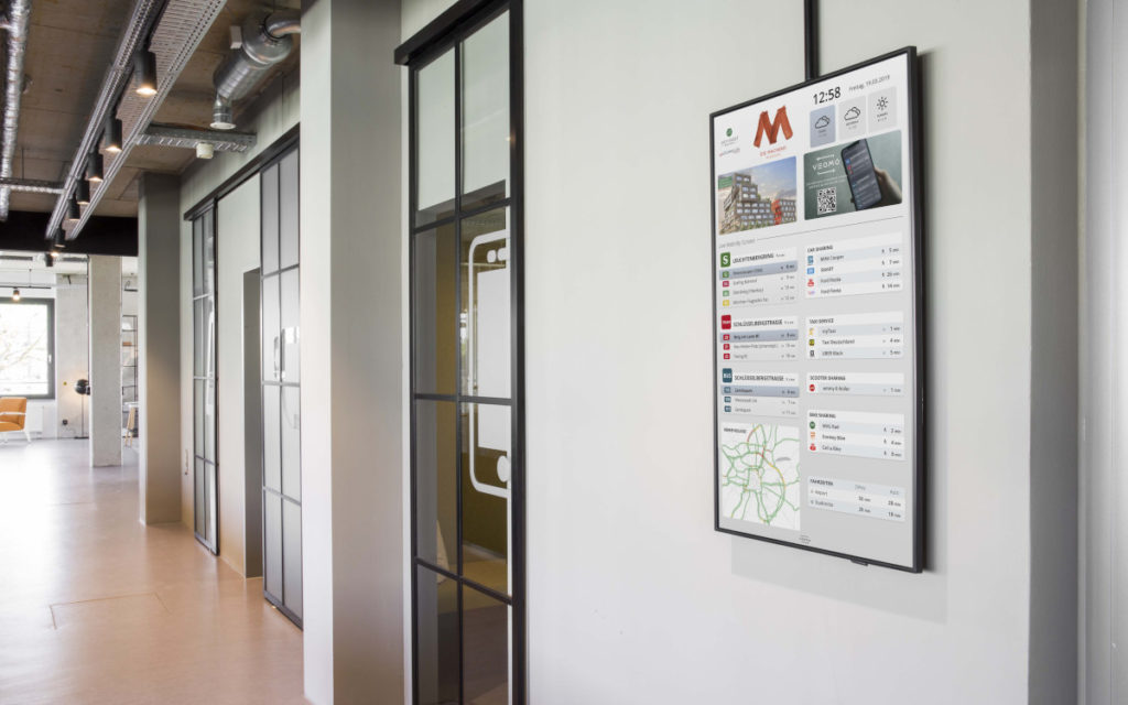 Veomo Digital Signage im Büro (Foto: Veomo)