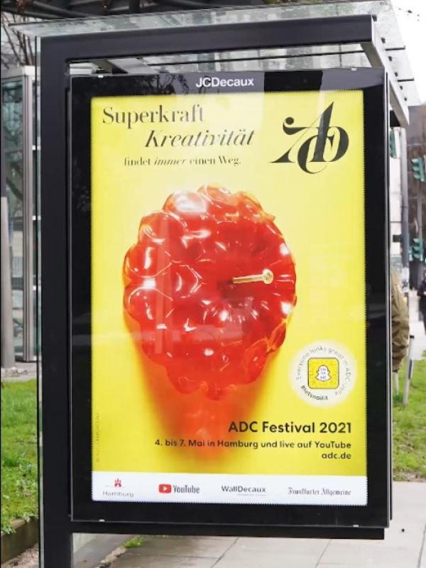 ADC-Kampagne mit Snapchat-Interaktion auf OoH von WallDecaux (Foto: ADC/WallDecaux)