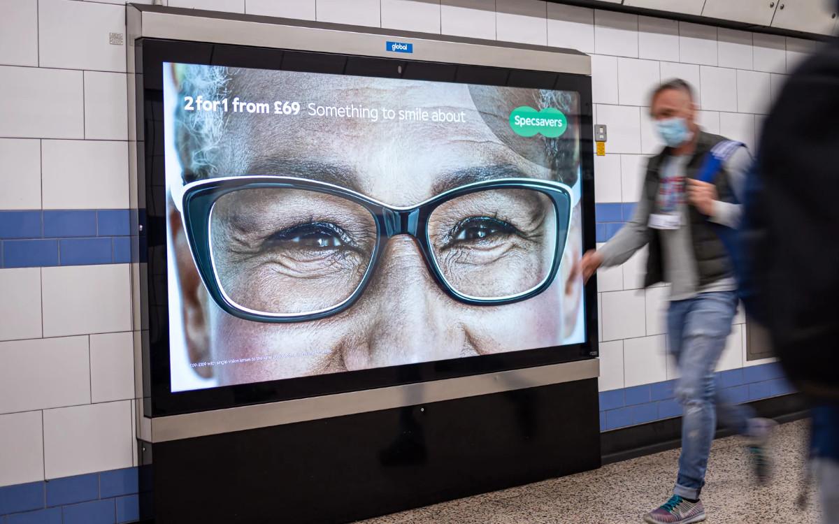 DooH-Screen in der Londoner U-Bahn – künftig programmatisch buchbar bei Global (Foto: Global)
