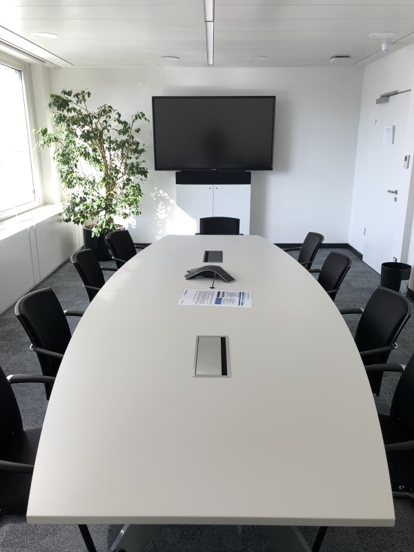 Einer der Meetingräume des Helaba Campus, den ASC mit neuer Medientechnik ausgestattet hat (Foto: ASC/Helaba)