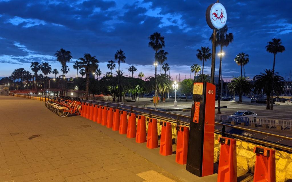 Morgenstimmung am Hafen von Barcelona (Foto: invidis)