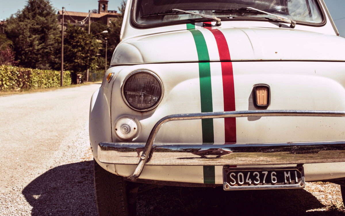 Italienische Ikone - Fiat 500 Symbolbild (Foto: Jonathan Bean / Unsplash)