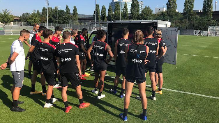 VfB setzt auf Digital Signage von Sharp (Foto: Sharp)