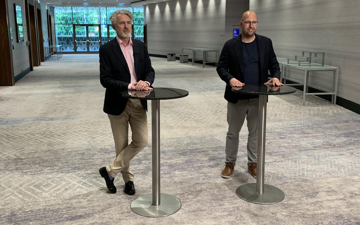 Gemeinsame Zukunft - Roland Grassberger / Grassfish und Johan Lind / Vertiseit (Foto: invidis)