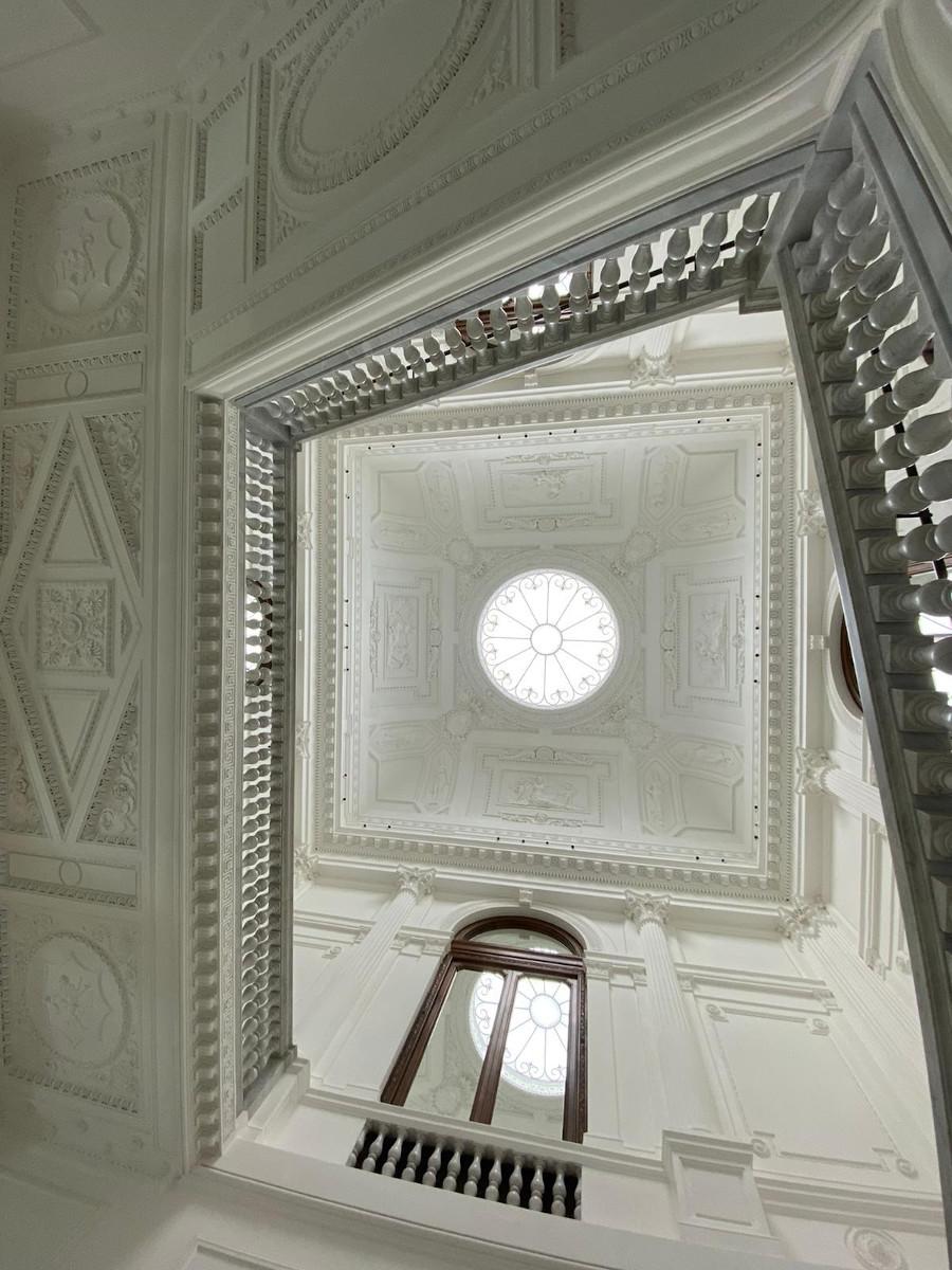 Digital Signage trifft auf historische Architektur in Rom (Foto: invidis)