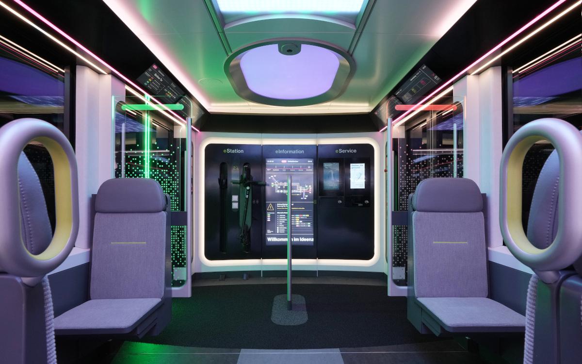 DB Innovationszug Displays überall – S Bahn der Zukunft   invidis