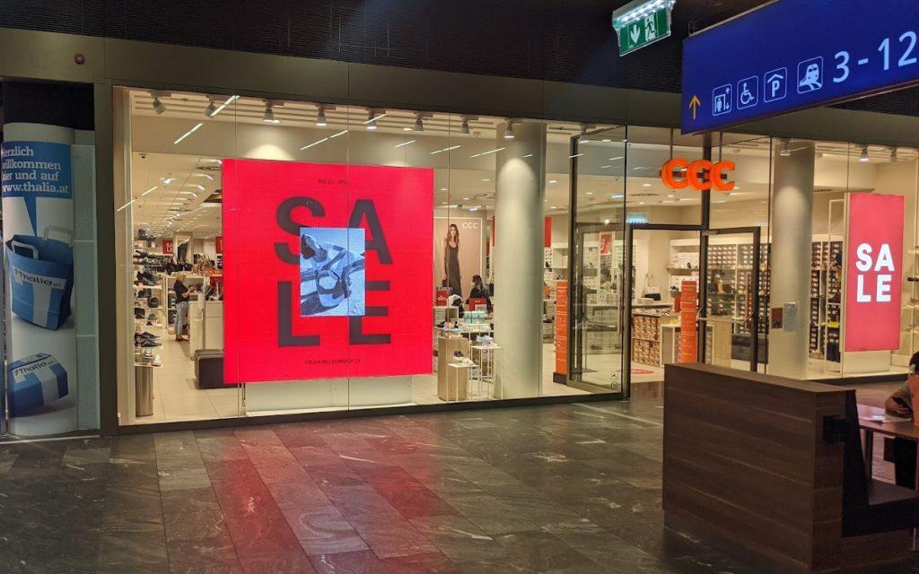 Schlussverkauf-Kampagne bei CCC in Wien (Foto: invidis)