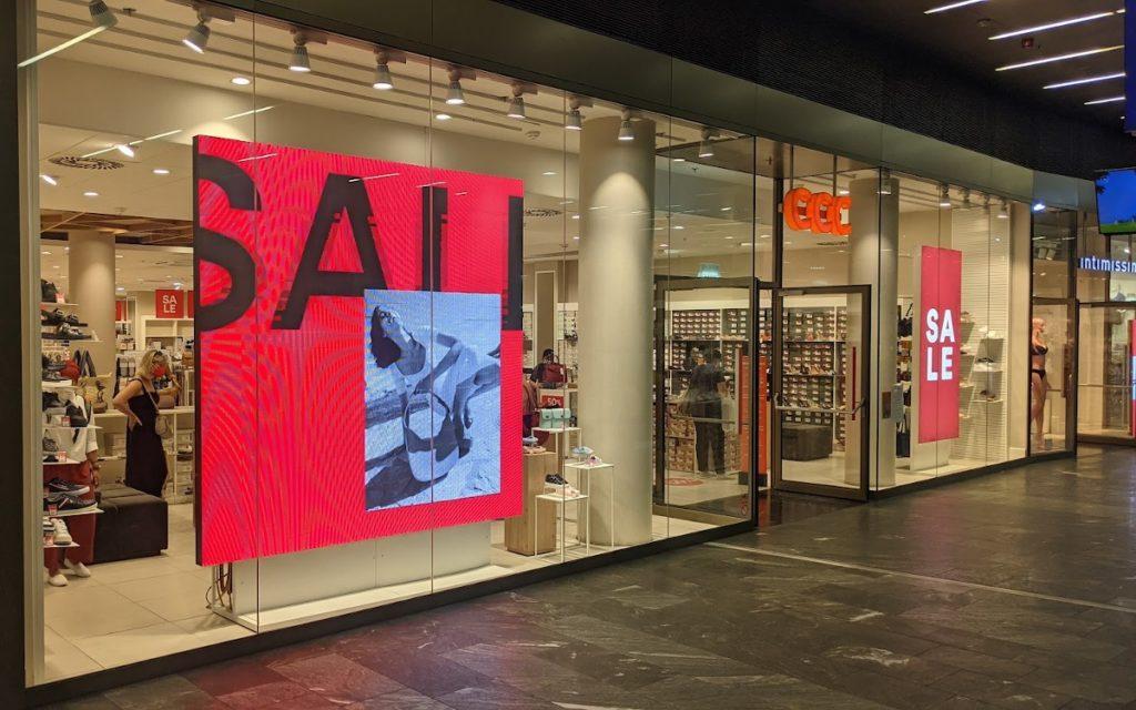 Schlußverkauf-Kampagne bei CCC in Wien (Foto: invidis)