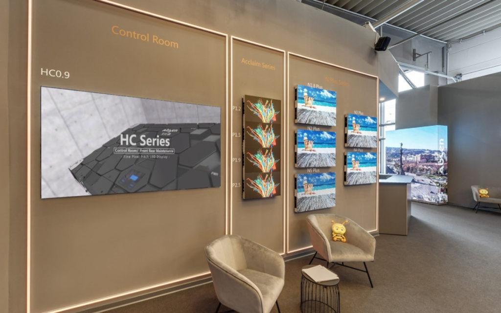Der Showroom präsentiert einen Querschnitt durch Absens Portfolio. (Foto: Absen Europe)
