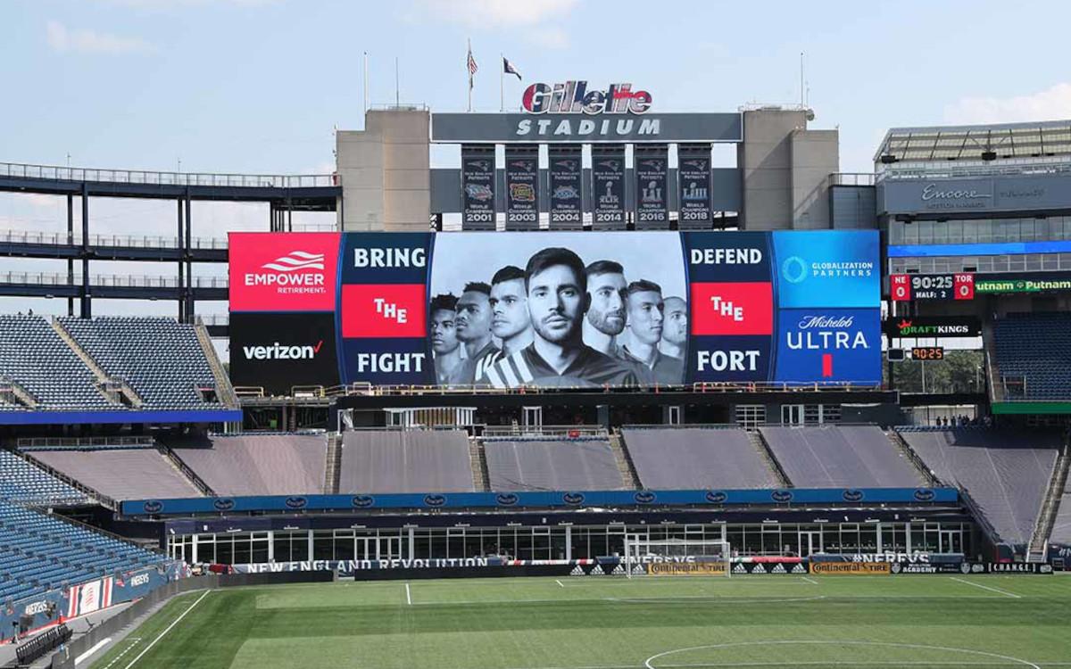 Im Gillette Stadium können nun Anhänger der New England Patriots und von New England Revolution ihre Mannschaften nun auch auf einem großen Video-Displays von Daktronics sehen. (Foto: Daktronics)