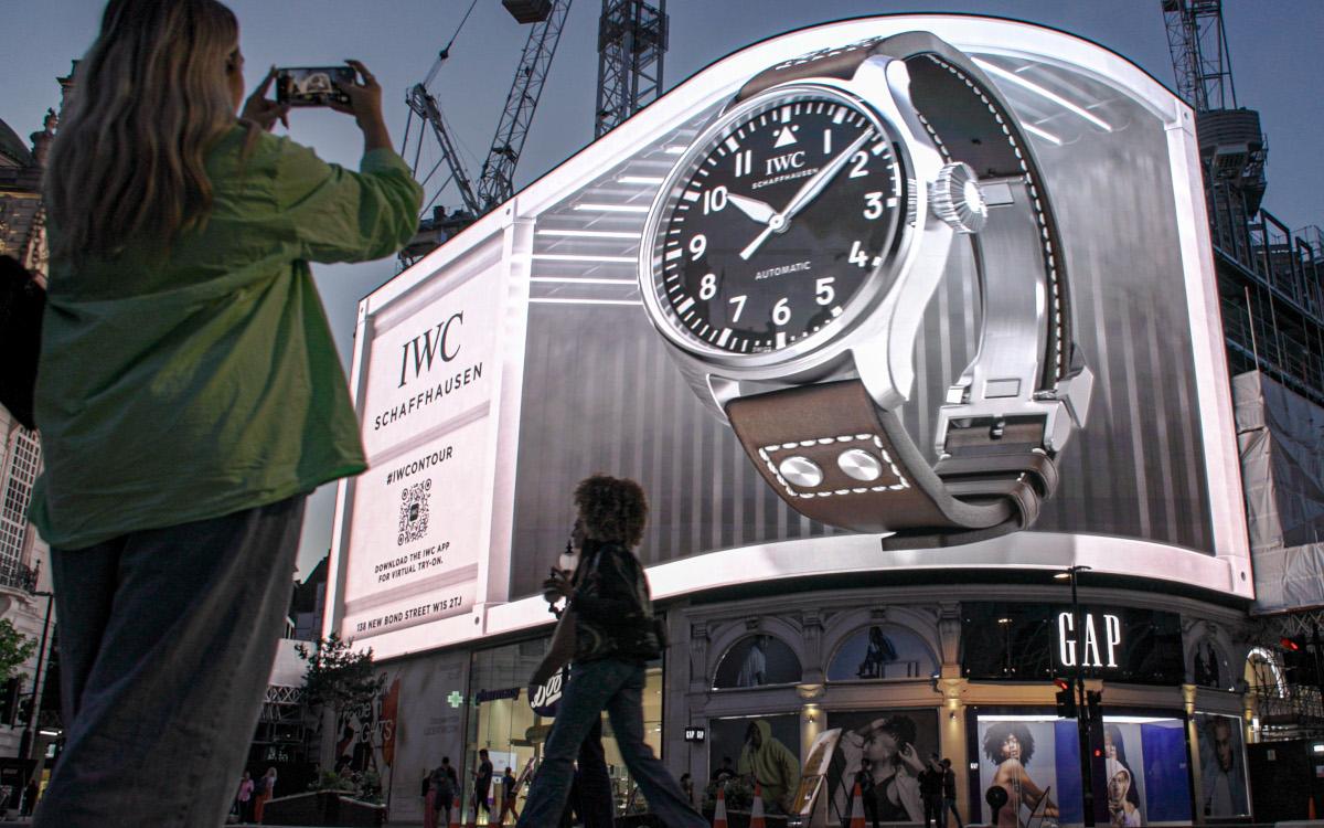 IWC brachte mit der DooH-Werbung zur neuen Uhr ein wenig Illusion auf den Piccadilly Circus. (Foto: Ocean Outdoor/IWC)