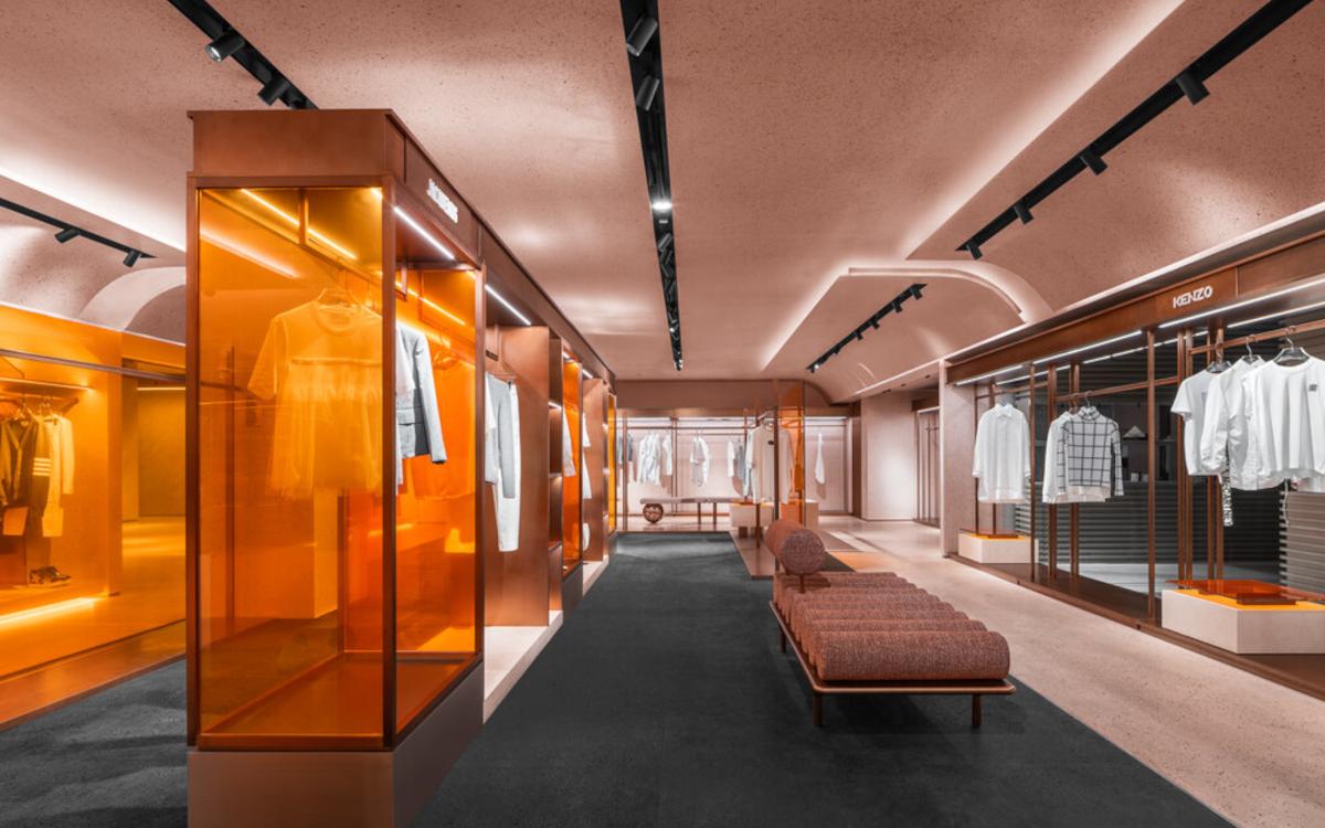 Der neue Luxemporium-Store bedient sich futuristischer Elemente (Foto: All Design Studio)