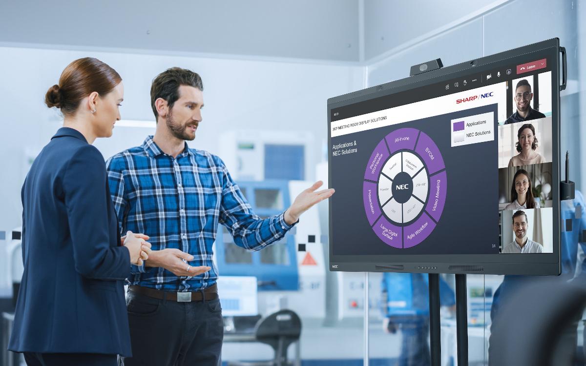 Mit dem WD551 lassen sich schnell und unkompliziert hybride Meetings realisieren. (Bild: Sharp/NEC)