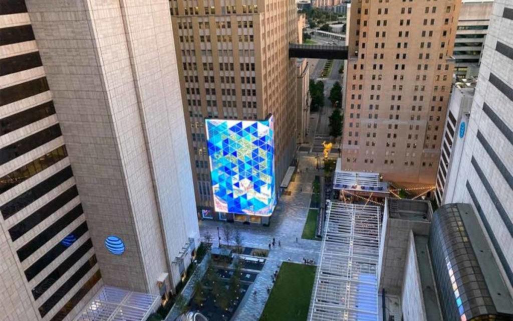 SNA Displays fertigte alle LED-Screens - inklusive der großen LED-Wall auf der Plaza. (Foto: SNA Displays)