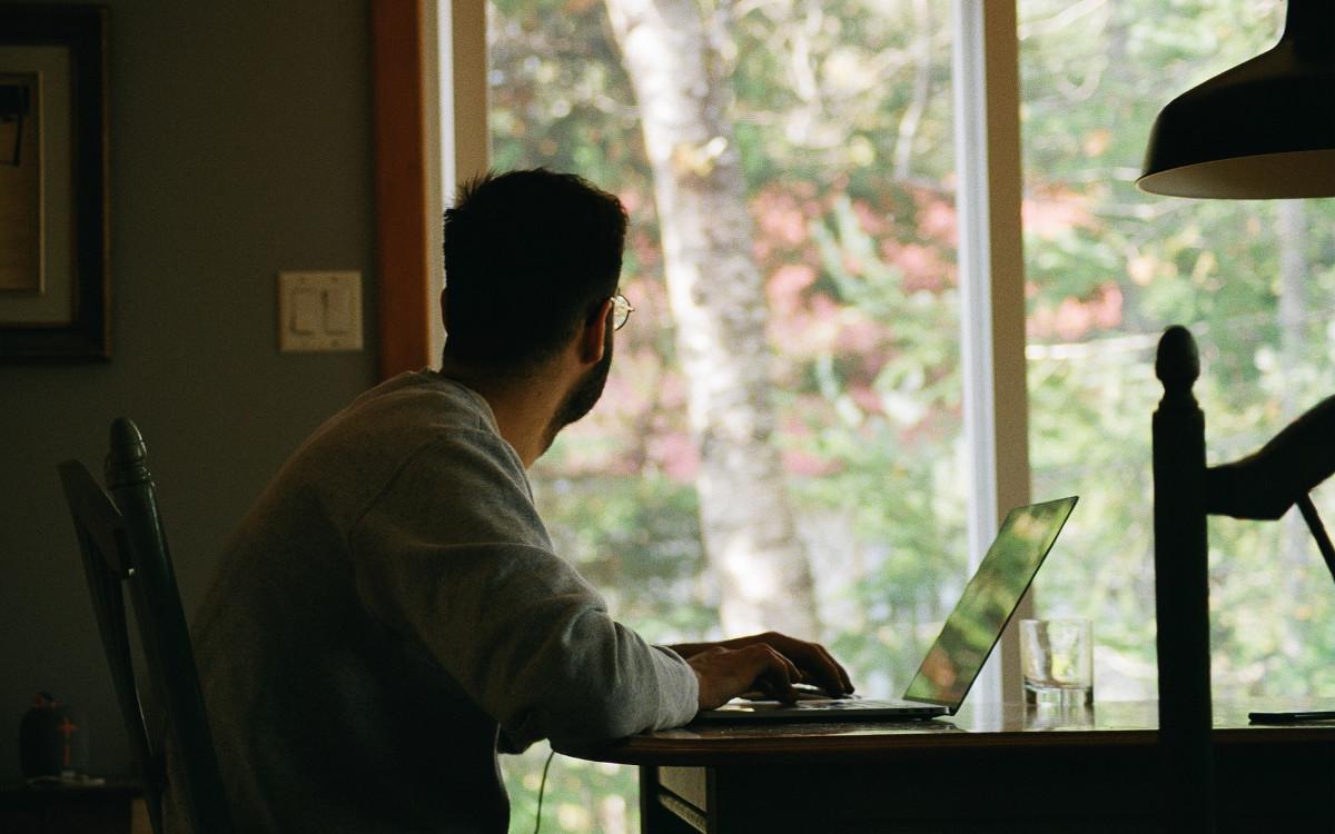 Home Office ist aus unserem Arbeitsleben nicht mehr wegzudenken. (Foto: Yasmina H/Unsplash)