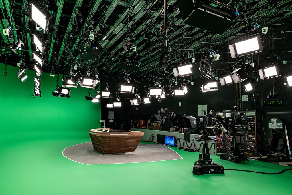 70 Flächen-LEDs leuchten das neue Studio aus. (Foto: ZDF, Jana Kay)