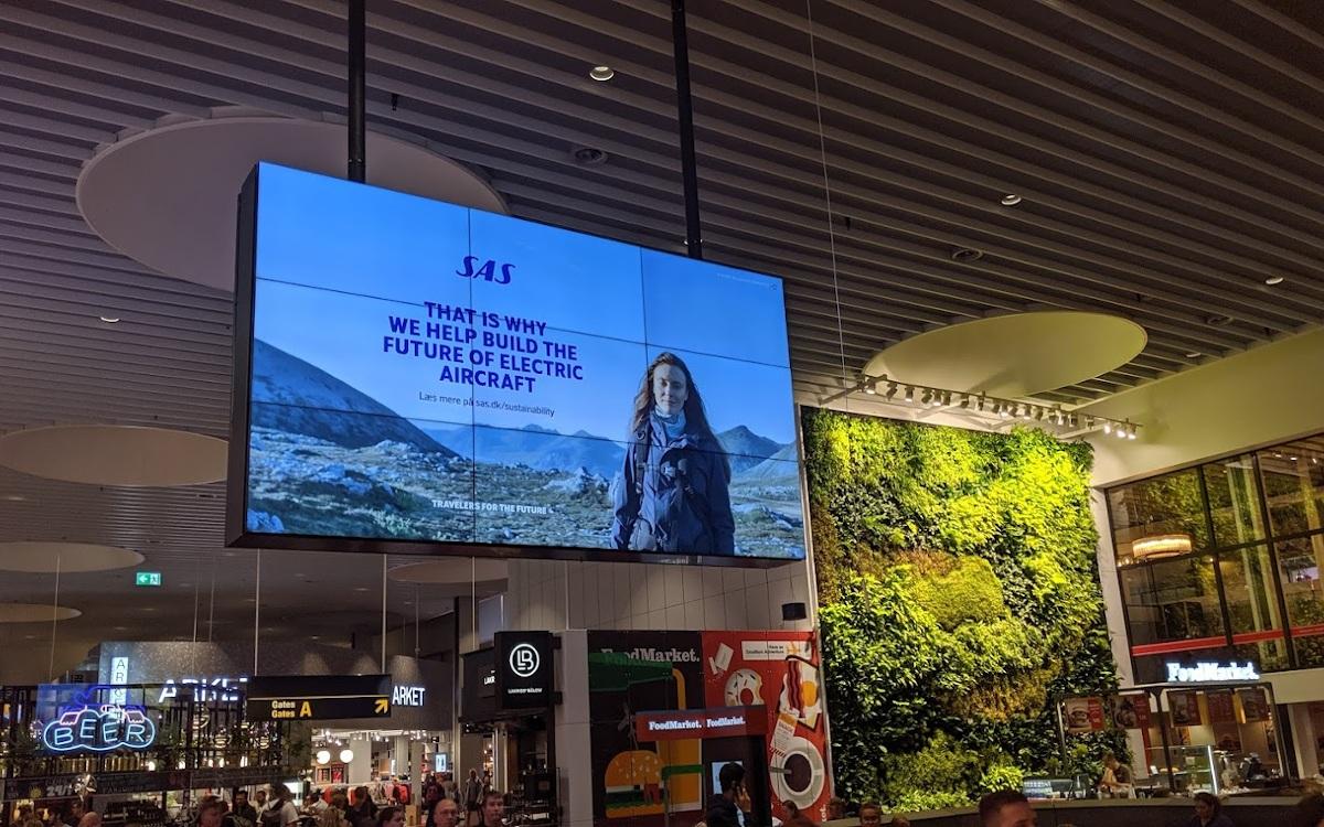 DooH-Werbung am Flughafen Kopenhagen (Foto: invidis)