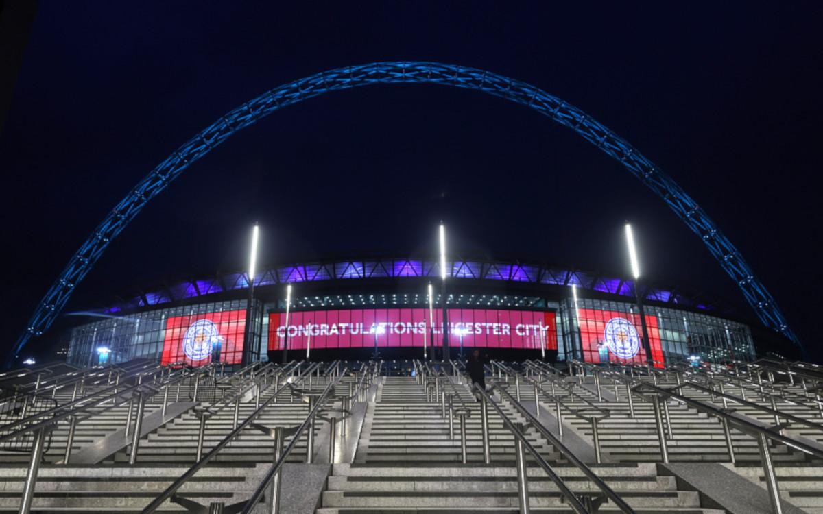 Wembley Stadion in London mit LG LED-Fassade (Foto: LED)