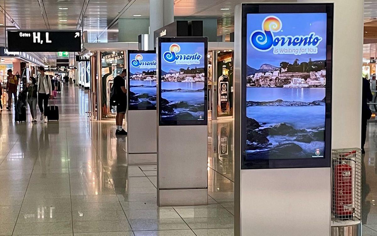 Neue Stelen am Flughafen München (Foto: FMG)