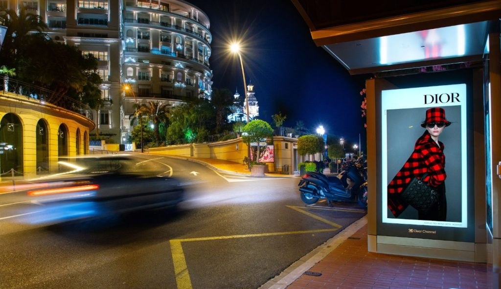 Dior Kampagne auf Clear Channel Screens vom Amscreen in Monaco (Foto: Clear Channel)