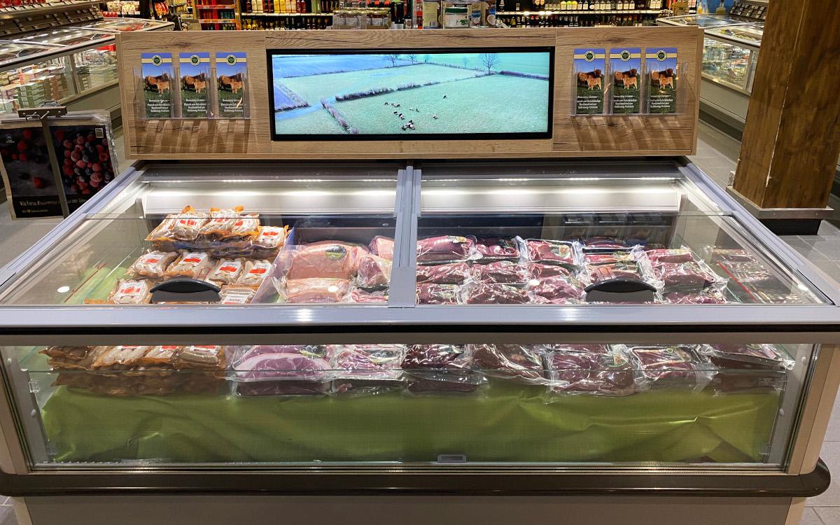 Kühltruhe mit Digital Signage (Foto: Nexgen)