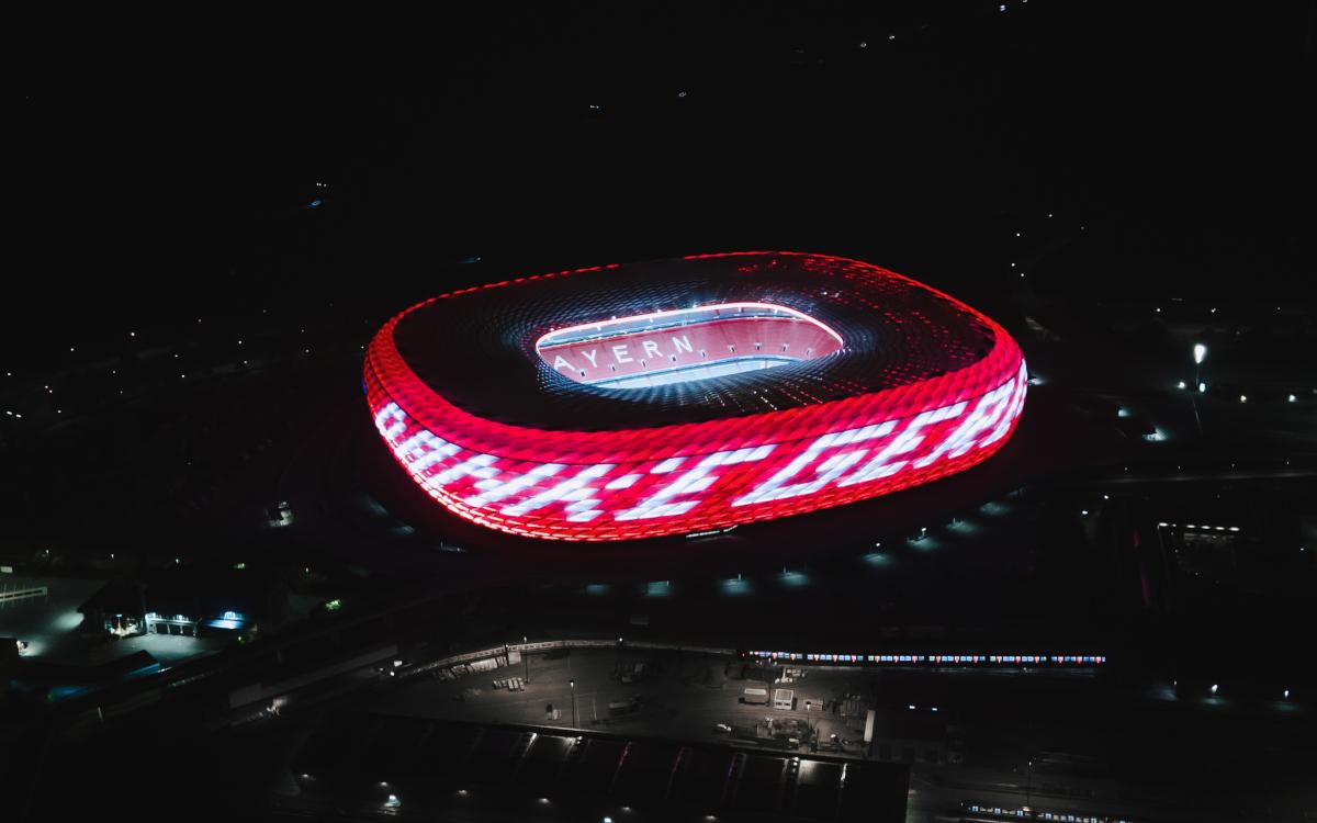 """Die Allianz Arena mit dem Schriftzug """"Danke Gerd"""". (Foto: FC Bayern München)"""