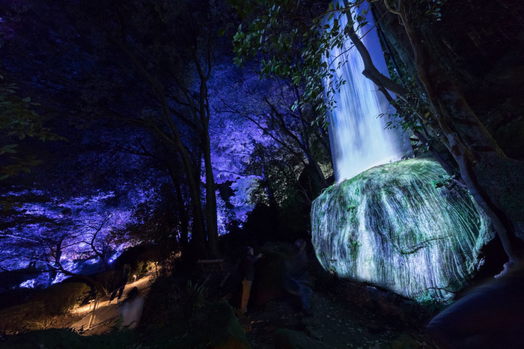 "Die Installation von teamlab ""Universe of Water Particles on a Sacred Rock"" (Foto: teamLab)"