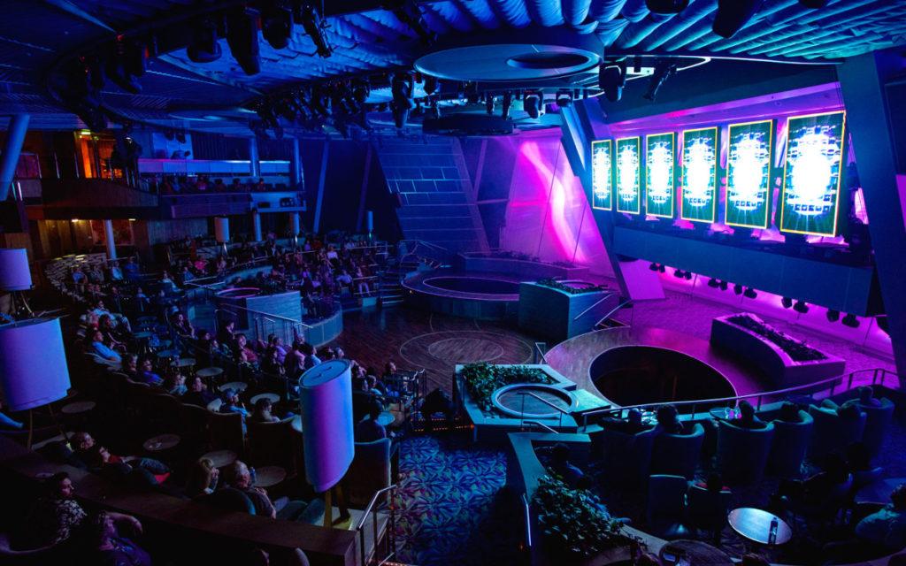 Die Two70-Veranstaltungsarea ist mit Screens und Projektion ausgerüstet. (Foto: Royal Carribean)