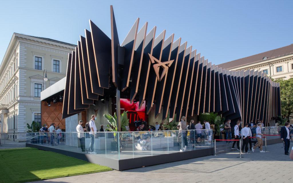 Die Seat Performance-Marke Cupra bringt spanisches Lebensgefühl nach München (Foto: Messe München)