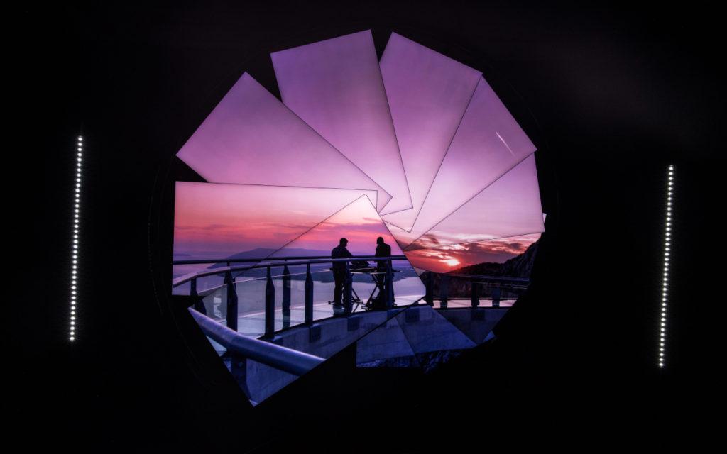 Die immersive Kunstinstallation von Samsung und Michael Murphy zeigt das Musikduo Gorgon City.(Foto: Samsung)