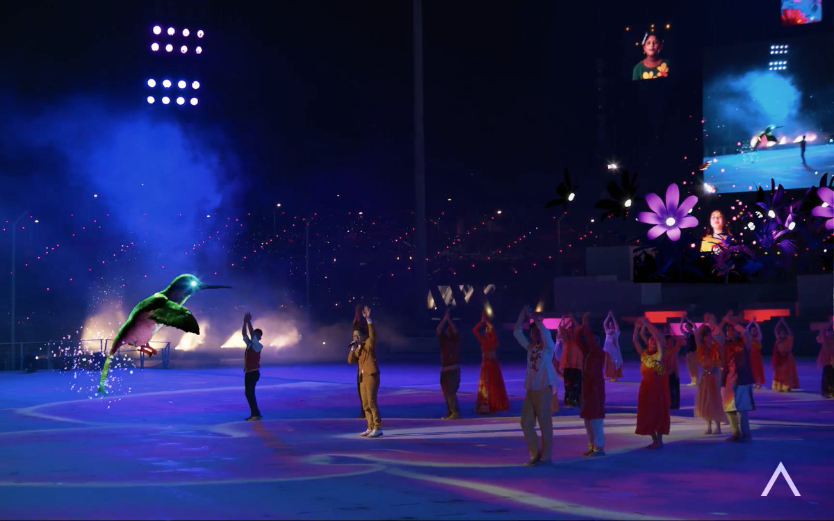 Ein großer Vogel umschwirrt die Tänzer beim Singapore National Day? AR-Integration macht es möglich. (Foto: Pixotope/NDP)