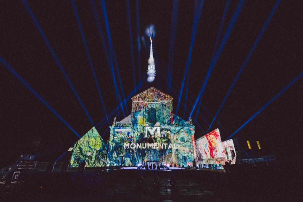 Die Monumental Tour 2021 lässt französische Architektur per Projektion erstrahlen. (Foto: Wozniak)